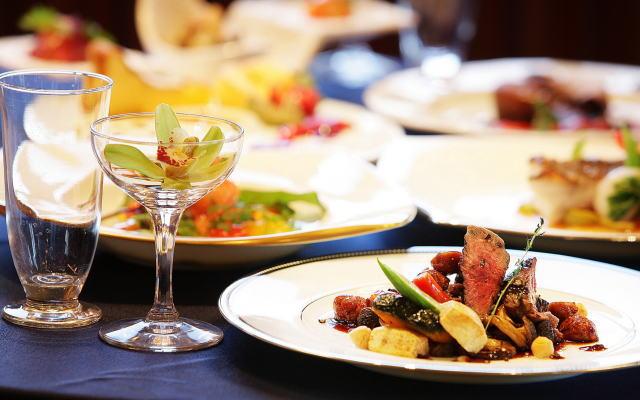 豪華な食事イメージ画像