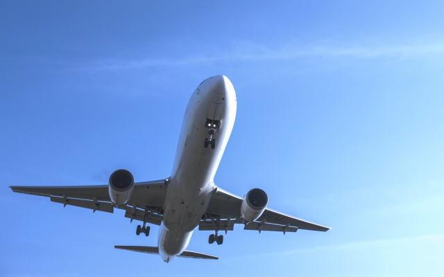 空港ラウンジが使える特典付のdカードGOLDのイメージ画像